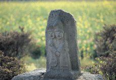 安雲野の石像